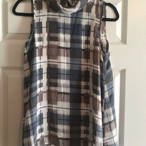 Size Small Sleeveless top - great for work!